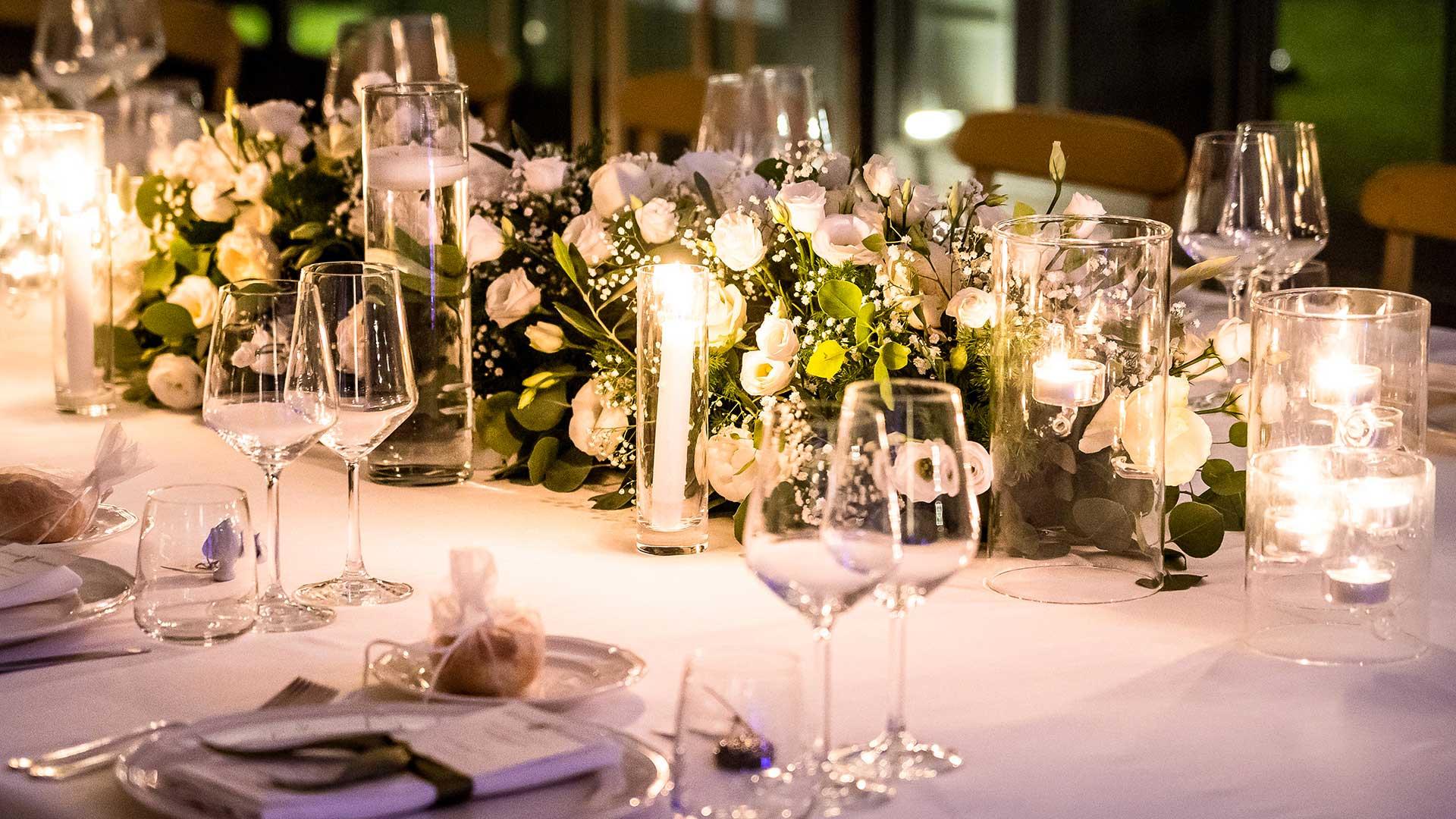 matrimonio estivo allestimento tavoli