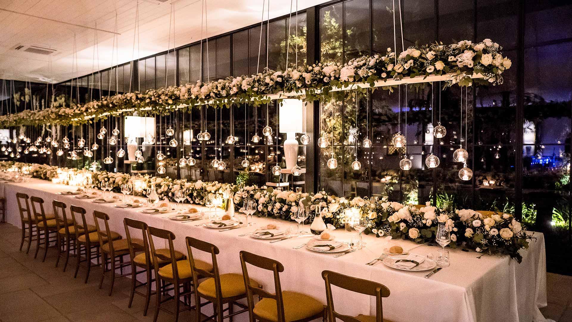 matrimonio estivo tavola fiorita